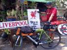 """แฟน """"หงส์แดง"""" ชาวไทย ปั่นจักรยานระห่ำ ไปประเทศอังกฤษ หวังร่วมฉลองแชมป์พรีเมียร์ลีก"""